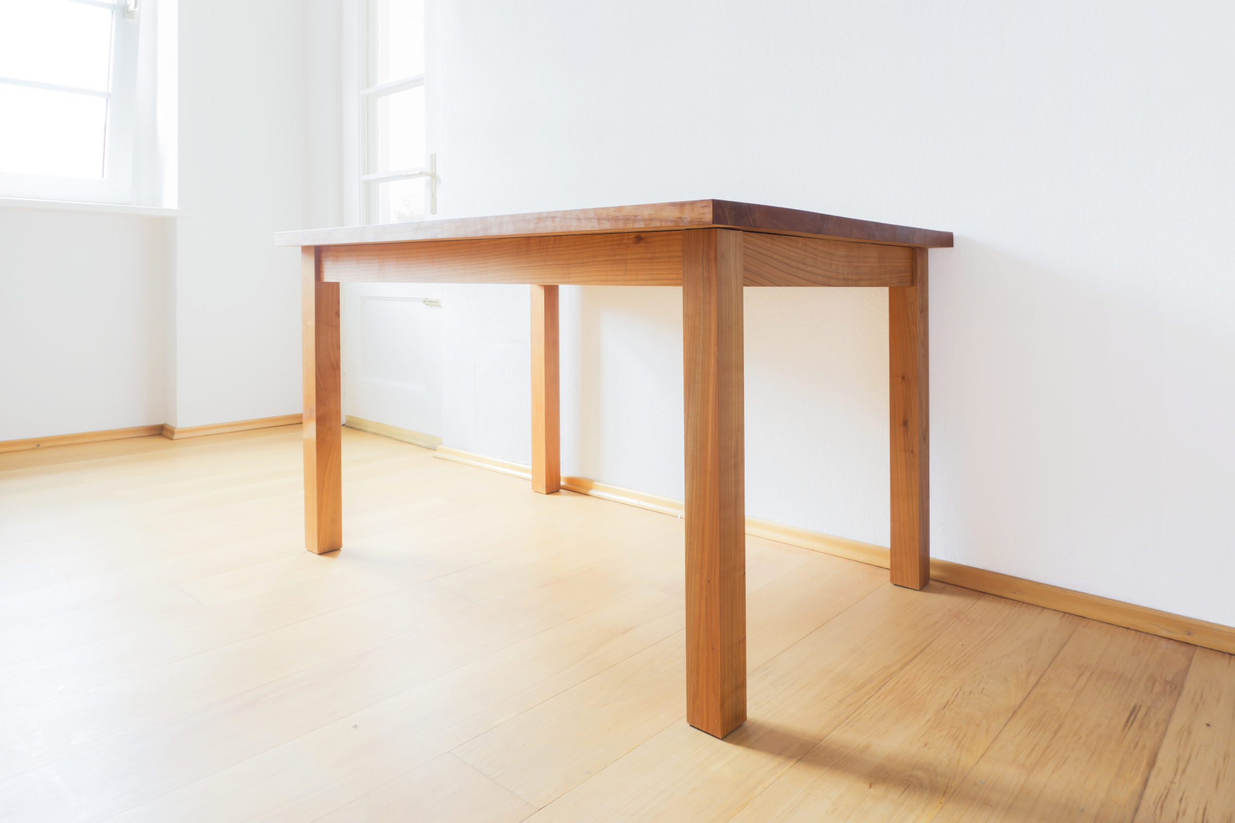 Tisch, Massivholzmöbel handgemacht, Hochwertige Möbel aus Massivholz, Holzoberflächen handgehobelt, Einzelmöbelstücke, The Trees of Life