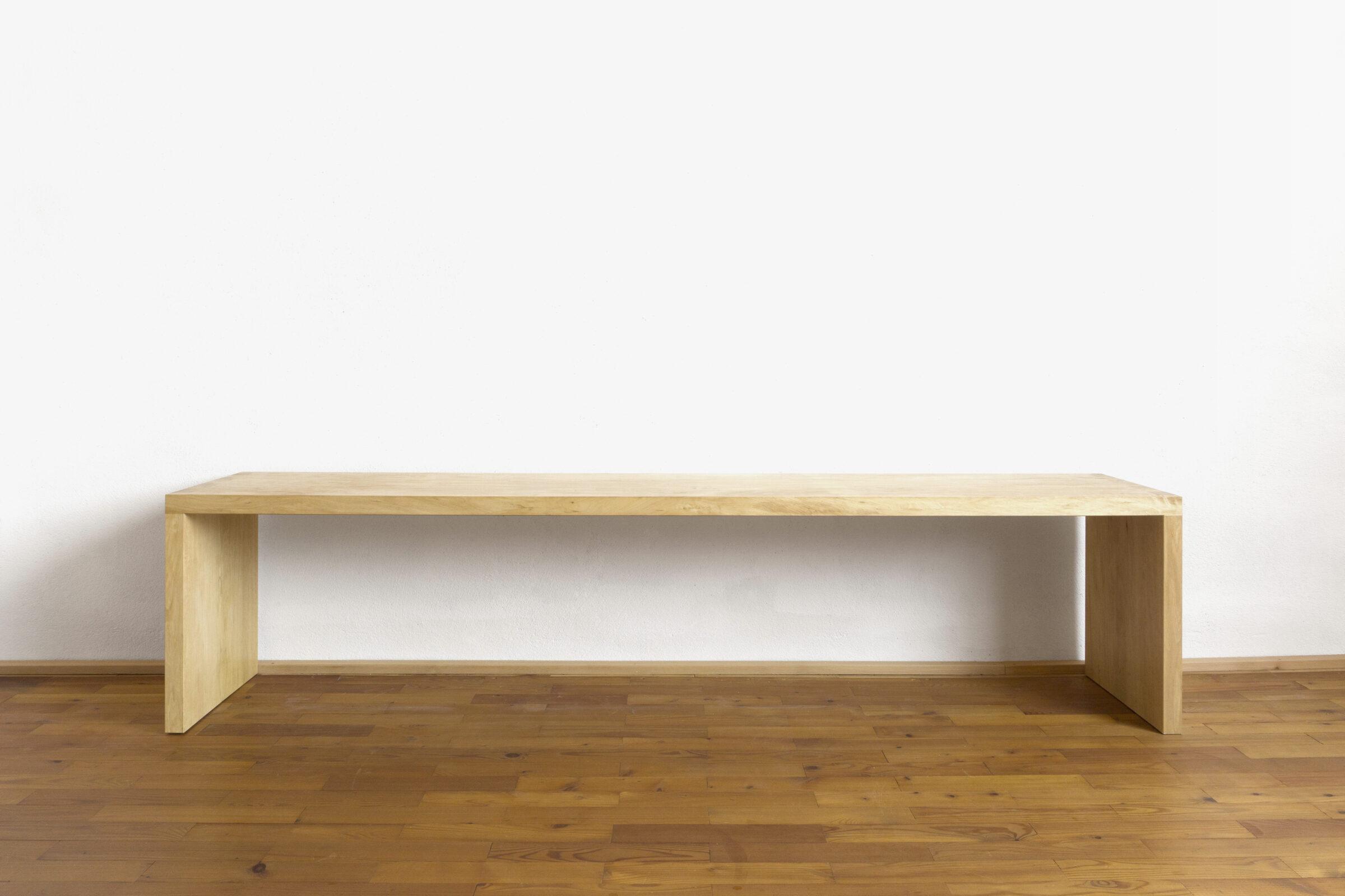 Sitzbank, vorne, Massivholzmöbel handgemacht, Hochwertige Möbel aus Massivholz, Holzoberflächen handgehobelt, Einzelmöbelstücke, The Trees of Life