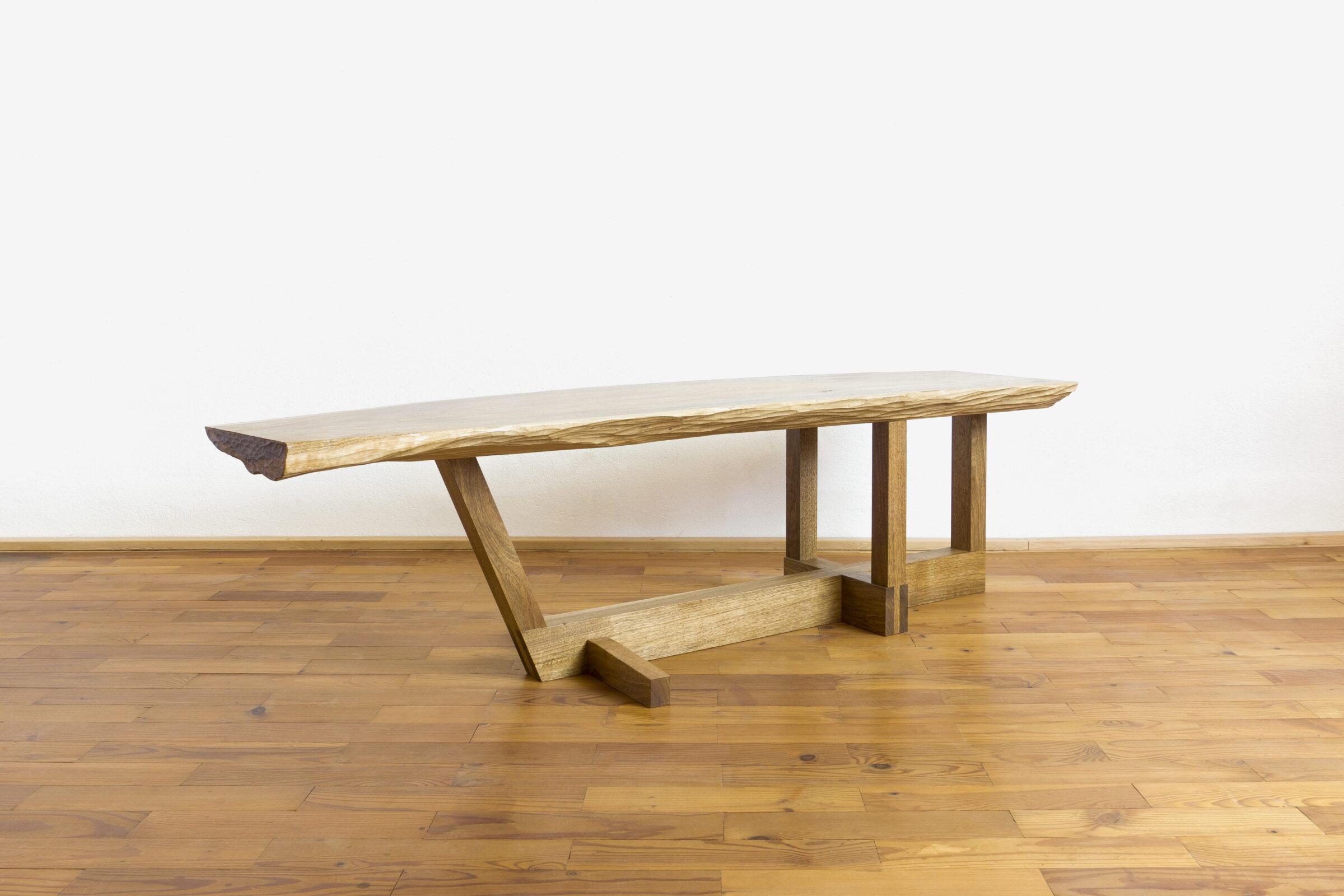 Beistelltisch, Massivholzmöbel handgemacht, Hochwertige Möbel aus Massivholz, Holzoberflächen handgehobelt, Einzelmöbelstücke, The Trees of Life